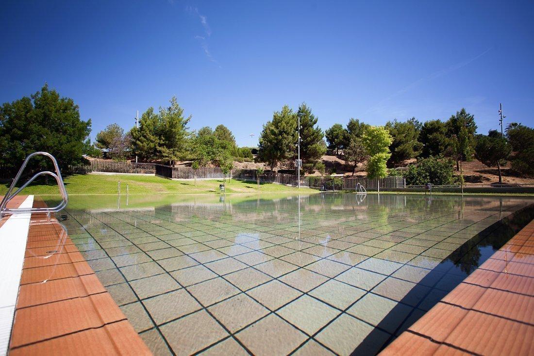 Departament d 39 esports de sant boi de llobregat piscina descoberta la muntanyeta - Piscina sant feliu de llobregat ...